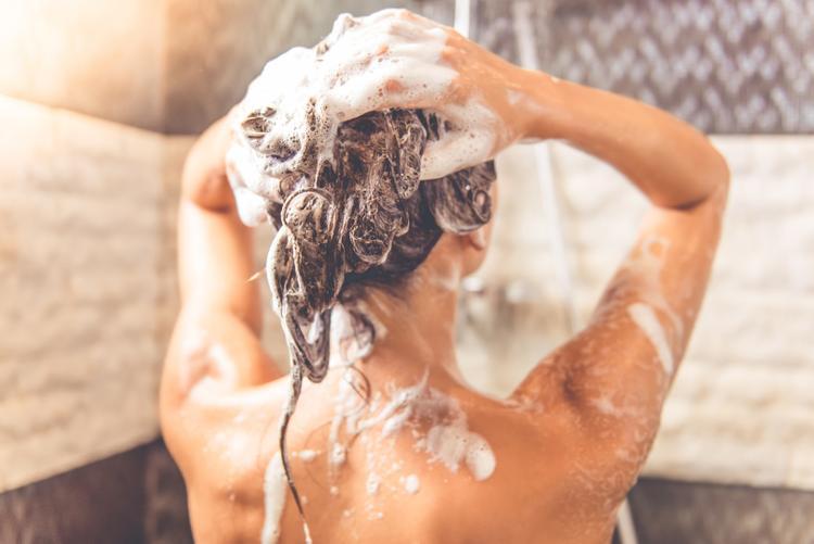 kak-ispolzovat-shampun