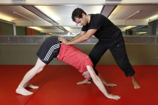 Физические упражнения не только помогут бороться с заболеванием, но и предотвратить его развитие, если заниматься специальной гимнастикой