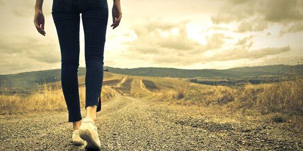 Как правильно ходить и спасть при геморрое: полезные советы и рекомендации