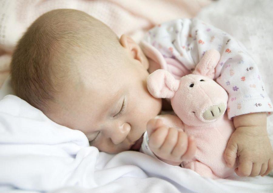 Причины потливости ребенка во сне