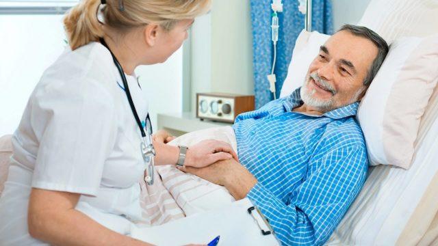 Облучение при раке простаты может назначаться пациенту в виде как дополнительного лечения к операции, так и самостоятельного