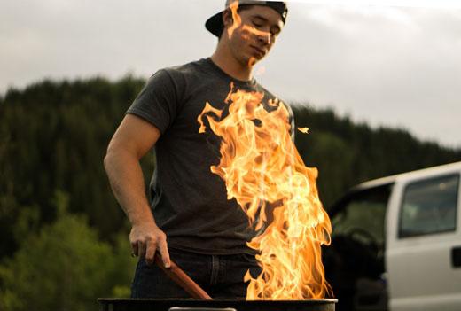 Парень и огонь