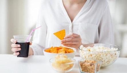 вредная еда в рационе