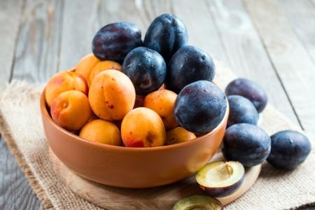 сливы и абрикосы