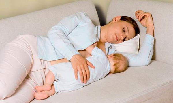 можно ли кормить ребенка при температуре